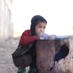 Frio extremo e hipotermia ameaçam a vida de crianças refugiadas