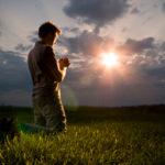 A espiritualidade dos leigos deve ser diferente da dos padres e religiosos?