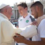 """Papa encontra jogadores da Chapecoense, """"um time em reconstrução"""""""
