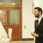 """Jovem produtor conta """"como convenceu o Papa a participar do filme"""""""