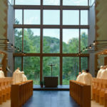 Fotos surpreendentes de um mosteiro moderno no Canadá